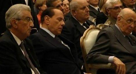 Berlusconi-dorme-shoa-28-01-2013
