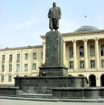 stalin-statua-georgia-31-07-2013